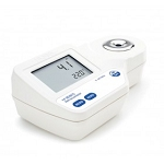 Hanna Digital Refractometer for Brix Analysis in Foods HI96801